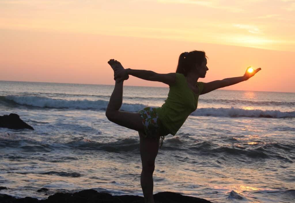 cours-de-yoga-en-vendee-hotel-les-dunes