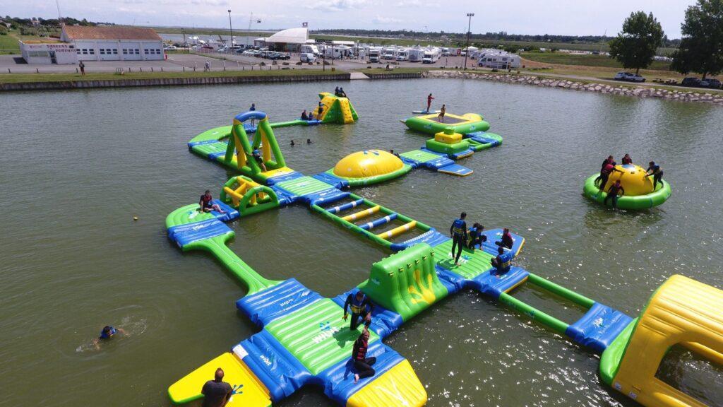 vendee-Jeux-gonflables-atlantic-wakepark-hotel-les-dunes